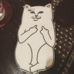 石田ゆり子さん愛用猫のスマホiPhoneケース「Fuck You Cat」